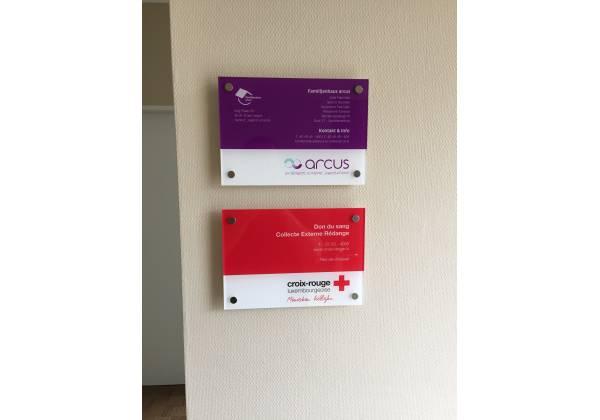 plaque Croix-Rouge / Arcus