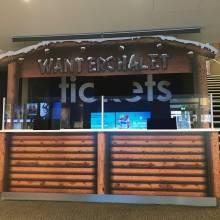 Cinéma Kinepolis au Kirchberg chalet de noël